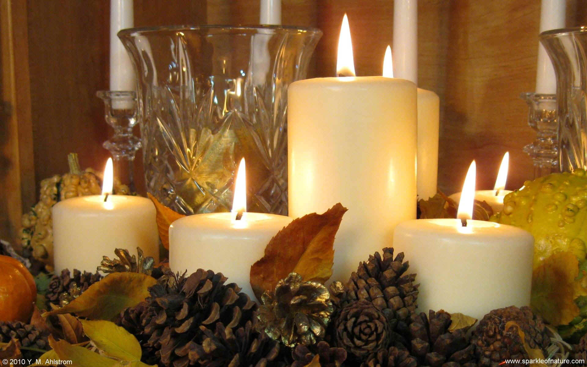 4090 fall candles 1 w 1920x1200.jpg (264055 bytes)
